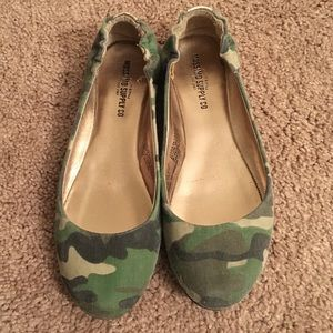 Camouflage flats size 6